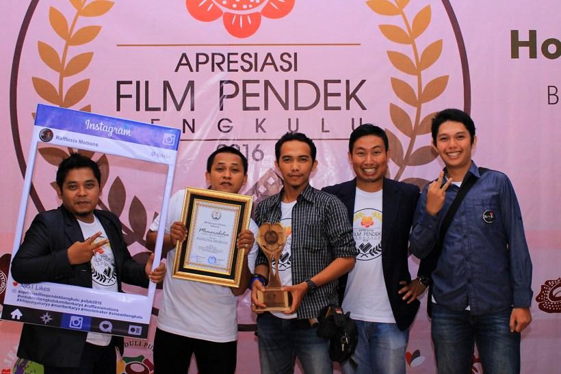 Tim Rafflesia Motions mendapatkan banyak penghargaan festival film (Dok.Sofian)
